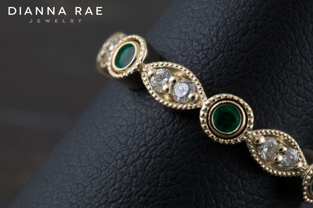 001-02680-001_Diamond and Emerald Stackable Ring_Detail.jpg