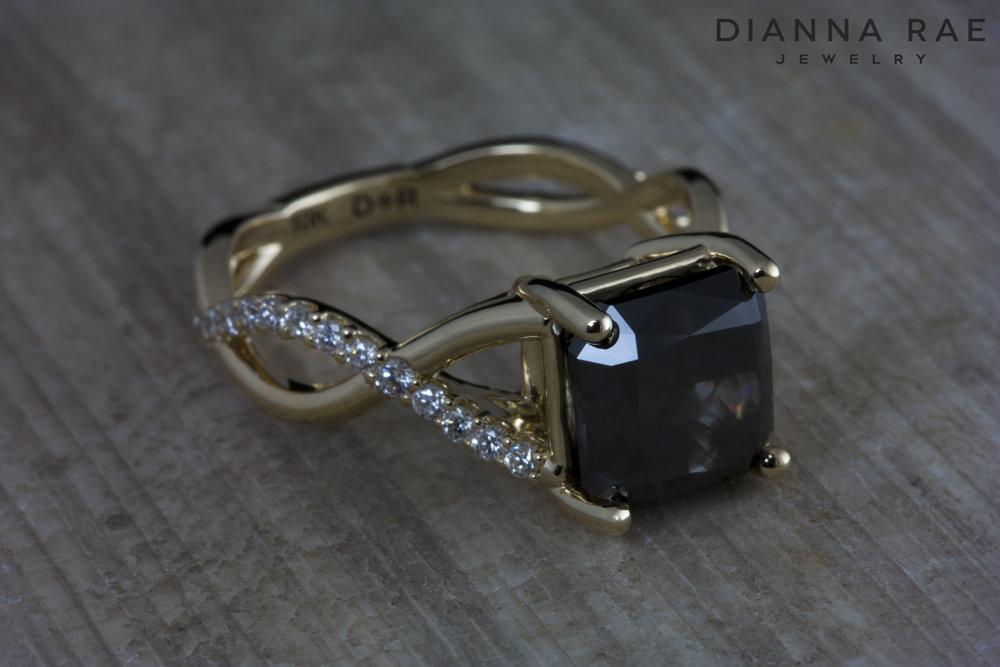 001-02968-001_Custom Black Diamond crossover ribbon_Down_Angle.jpg