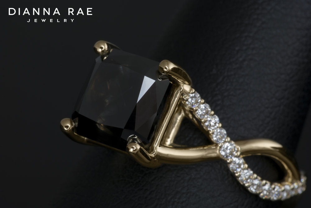 001-02968-001_Custom Black Diamond crossover ribbon_Detail_Angle.jpg
