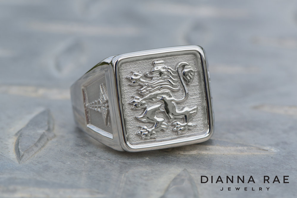 001-03390-001_Custom Bulgaria Crest Ring_1.jpg