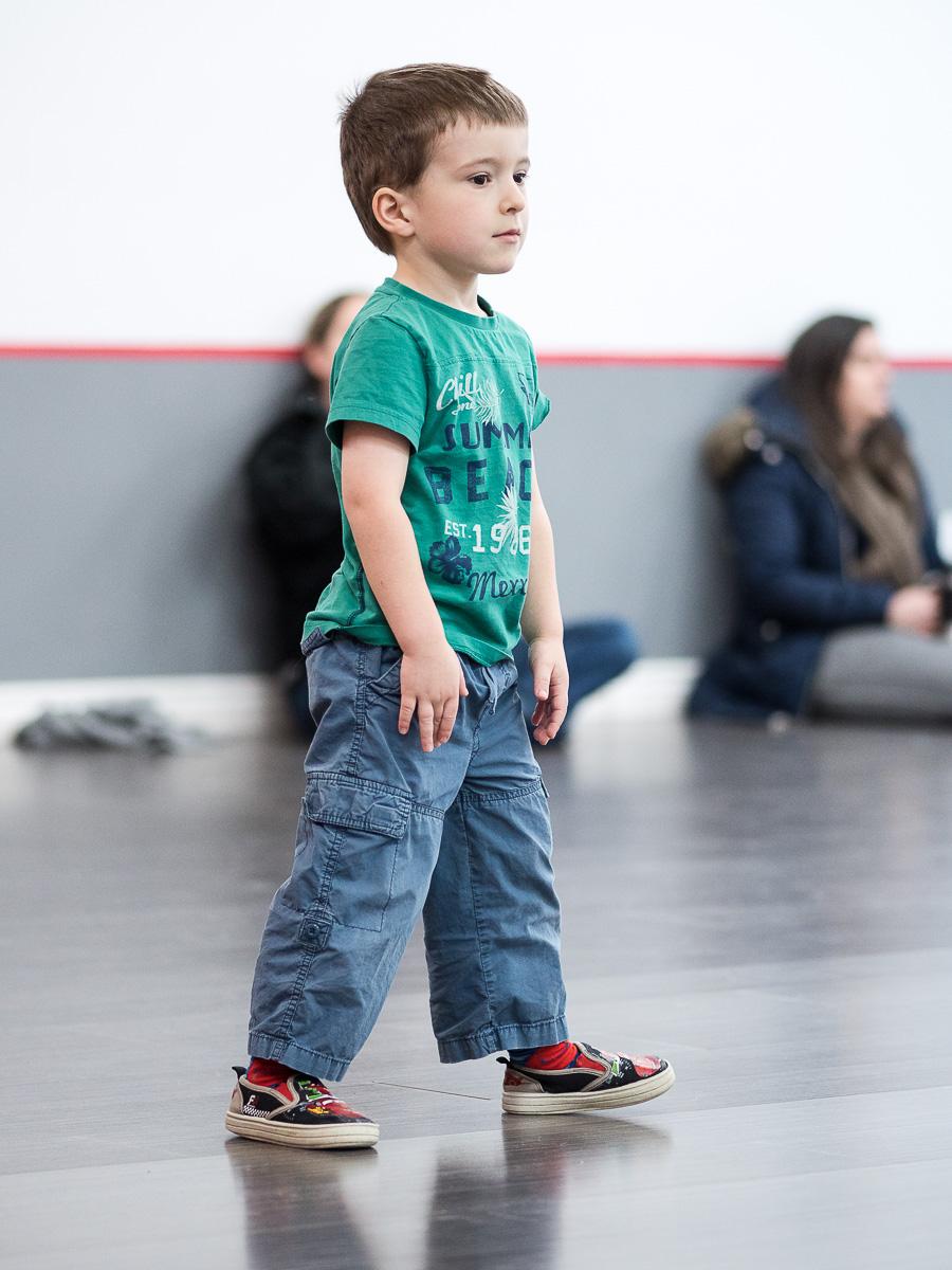 Étienne à son cours de danse