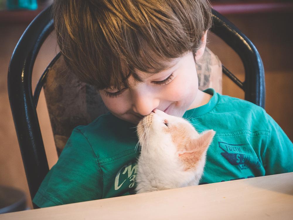 Mya kissing Etienne