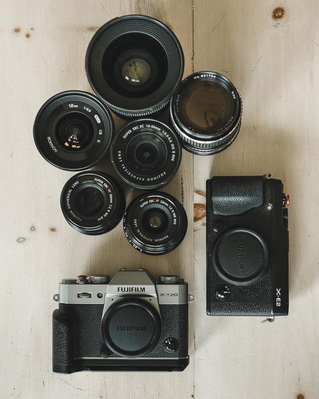 Il y a un an, je migrais doucement vers Fuji pour la photo/vidéo en achetant le X-E2 de mon ami Dominique. Je ne regrette pas mon choix. Chaque fois que je prend un de ces appareils, j'ai du plaisir.