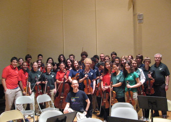 Joshua Gordon and the Tucson Junior Strings after master class