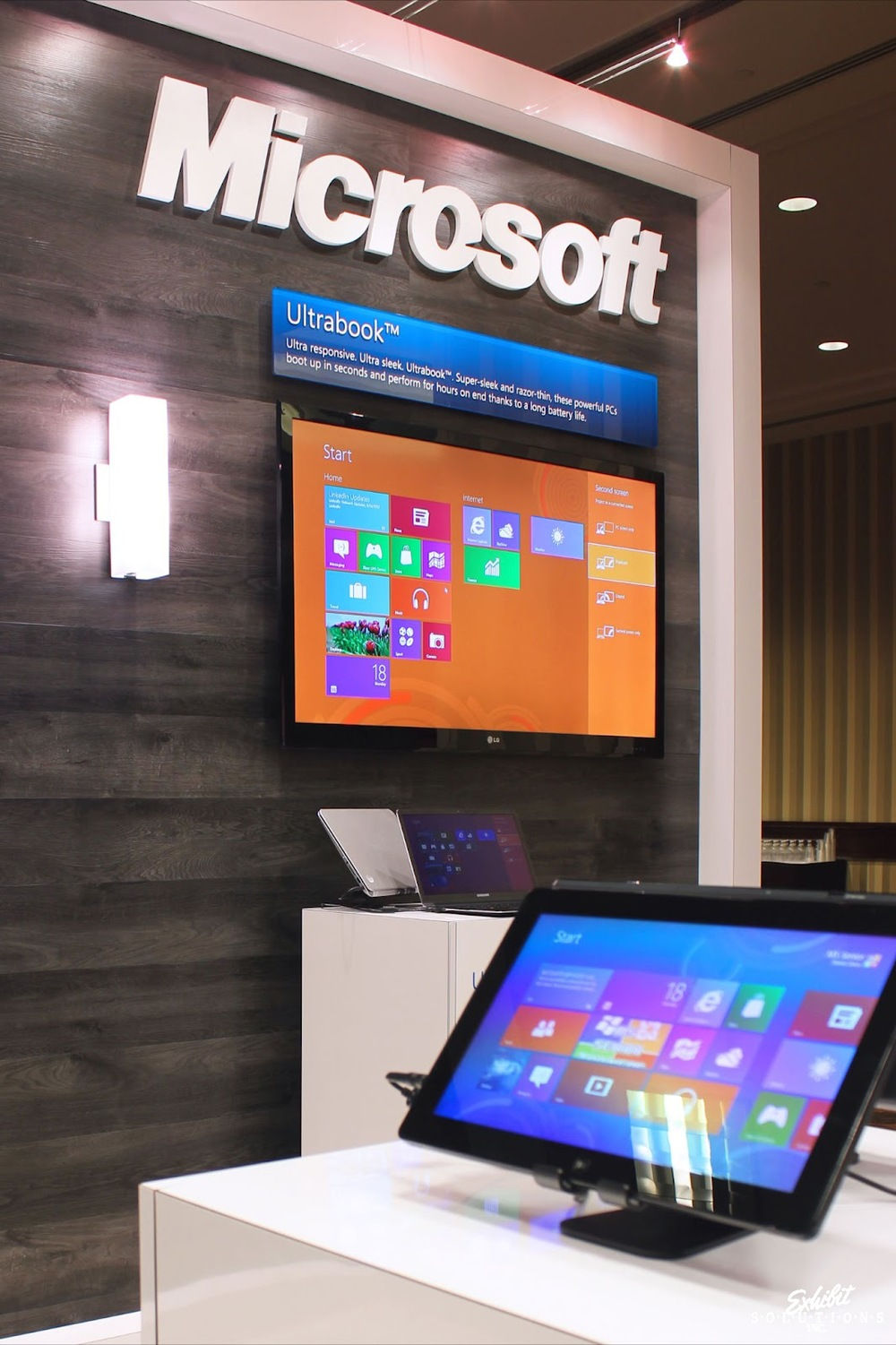 Exhibit Solutions - Microsoft - Future Shop Home Office Show 2012 - 04.JPG