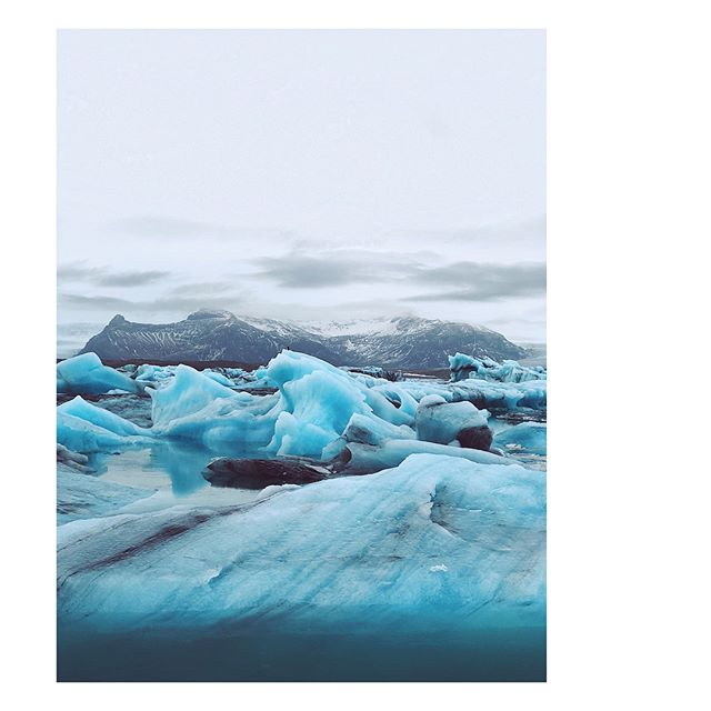 — maybe breathtaking and heartbreaking all at once is how u describe these melting glaciers 🌊💎💙🌎 。
