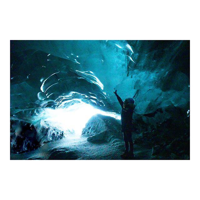 since last year, this glacier's entrance has shrank 300 meters 🌎 :(