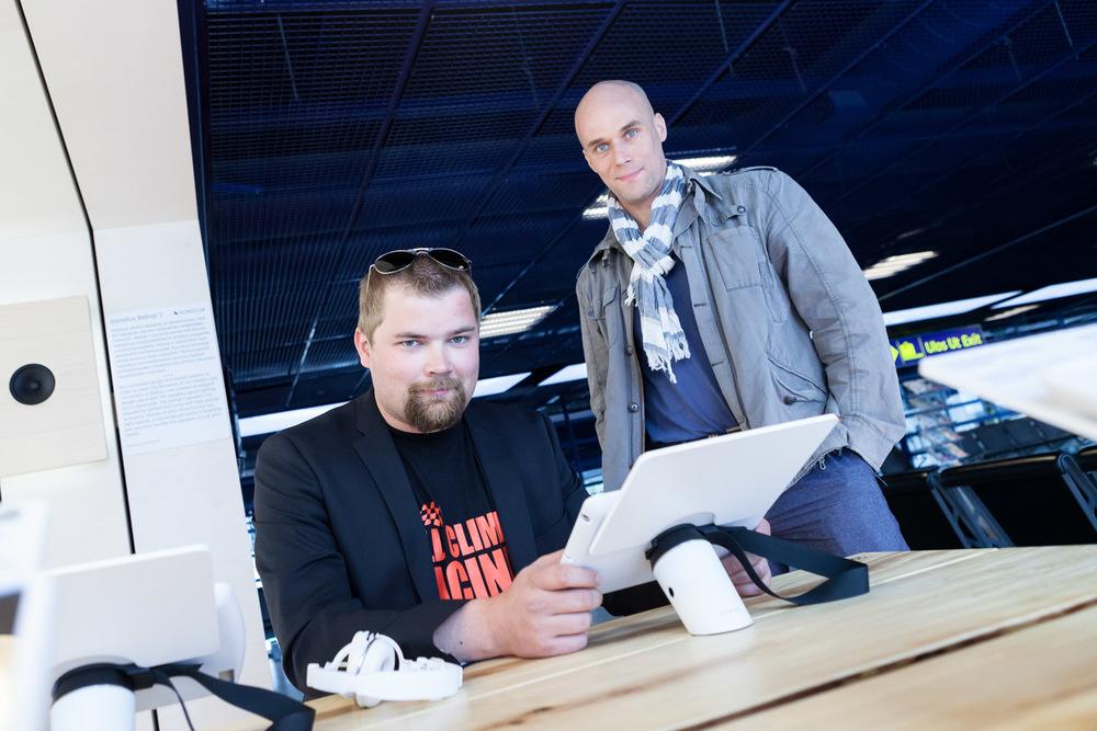 Fingersoft's Jaakko Kylmäoja and Outo Media's Tero Takalo, shot for Oulu New Tech.