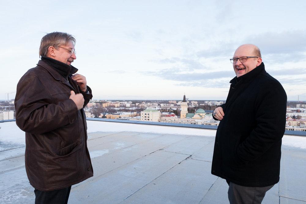 Juha Ala-Mursula, BusinessOulu, (left) and Matti Sarén, Oulu University, shot for Oulu New Tech. Outtake.