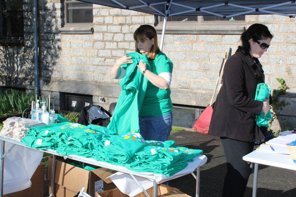 Comcast Cares Day 001.JPG