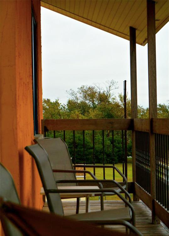 12-balcony.jpg
