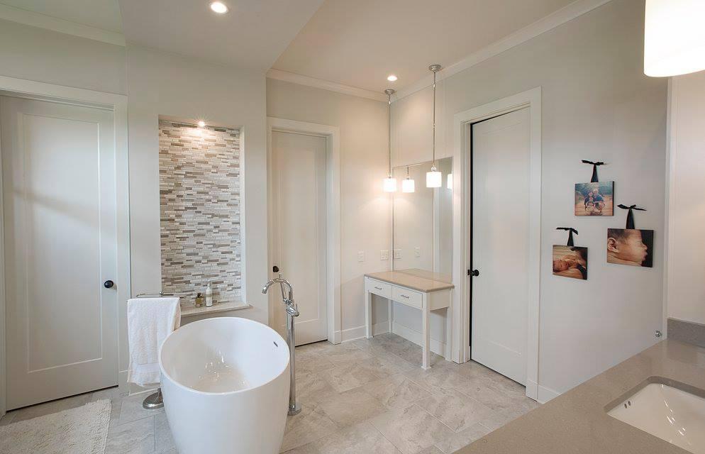 burgess bathroom.jpg