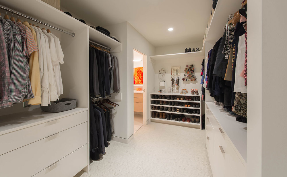 BUILD-LLC-CSH2016-Int-Master-Closet-01.jpg