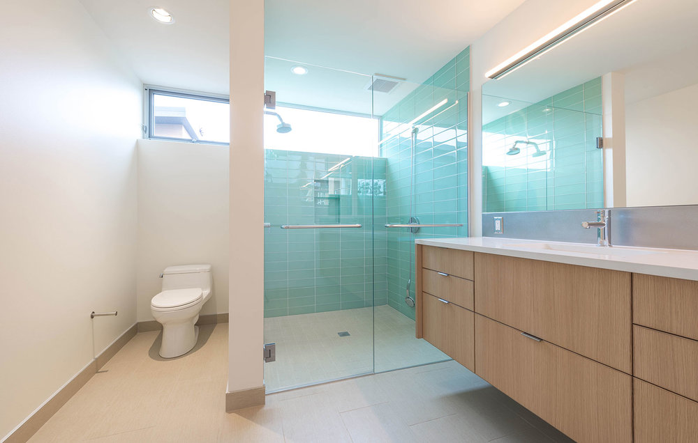 BUILD-LLC-Pambianco-Int-Master-Bath-04#.jpg