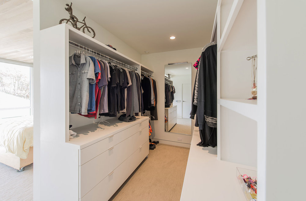 BUILD-LLC-CSH-Int-Master-Closet-02.jpg