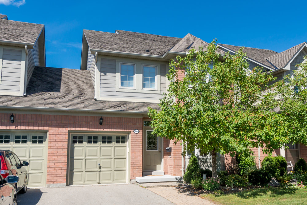 20 Belle Terre Way, Markham - Swan Lake