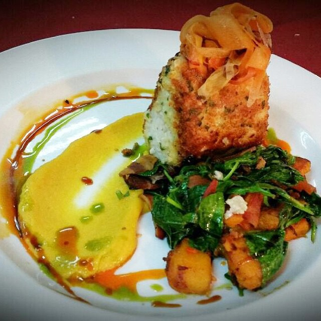 Special by chef Kevin: Macadamia nut crusted ono, sauté of spinach+butternut squash+bacon+caramelized onions, roasted golden beet puree, topped with kimchee carrot ribbons #threesspecials #threesbarandgrill #live #love #surf