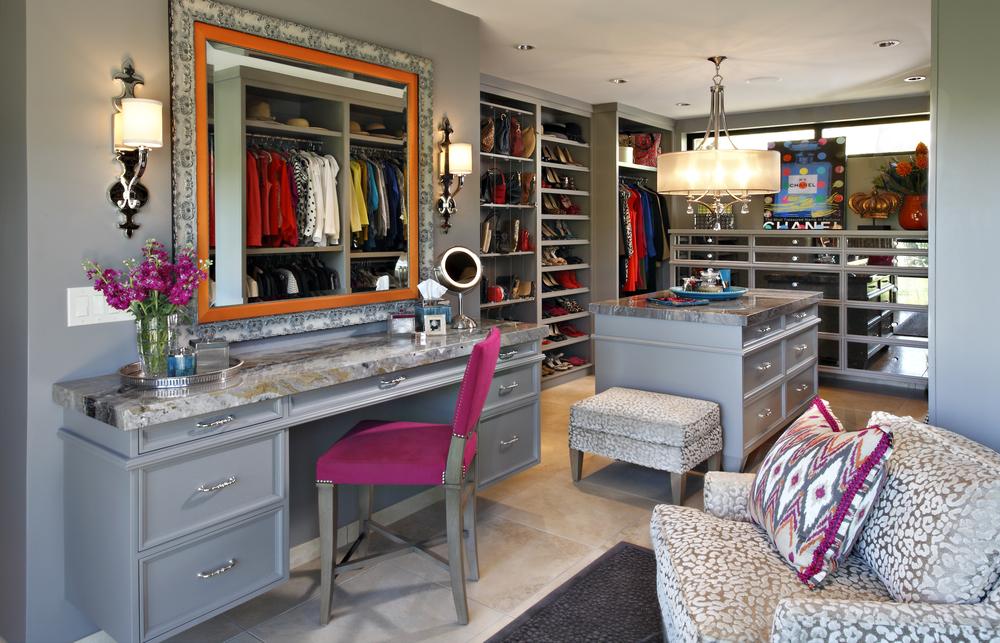 closet1.jpg