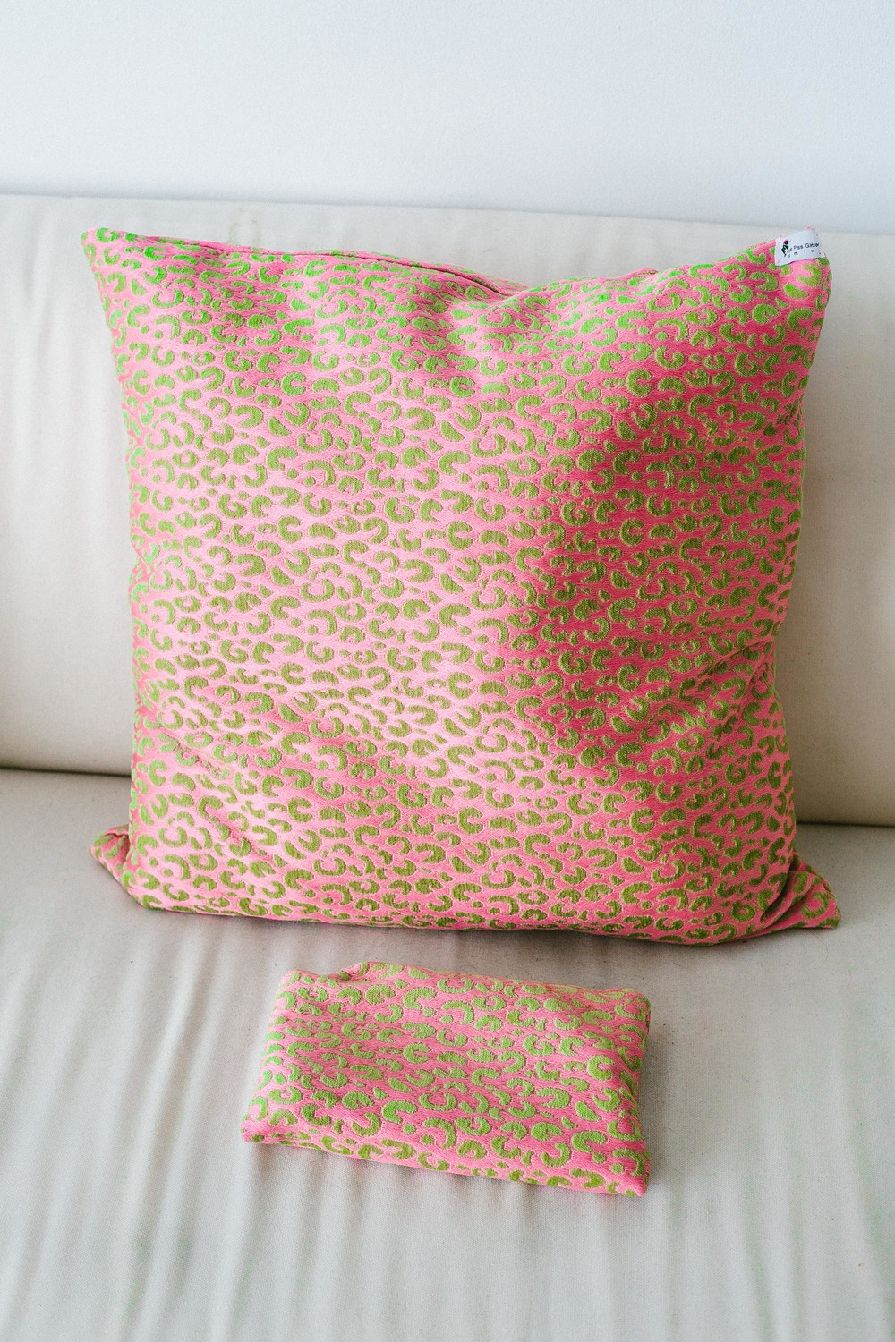 Tatalicious Pillow & Pouch.