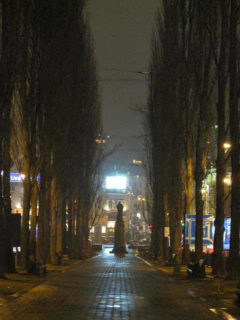 The statue of Lenin in Kyiv in 2011. Photo by Andrea Wenglowskyj