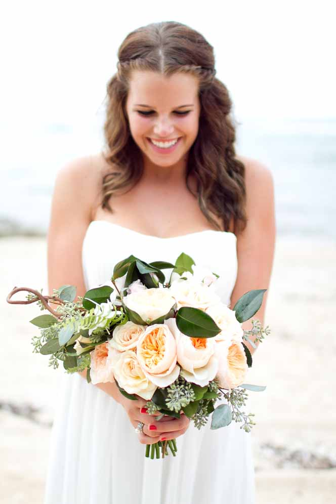 garden fresh peach bouquet by Passion Roots | Ashley Goodwin photography | Oahu, Hawaii