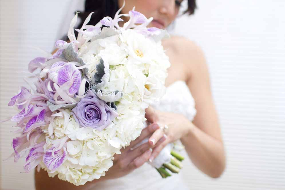 lavender and white bridal bouquet / floral design by passion roots / ashley goodwin photography