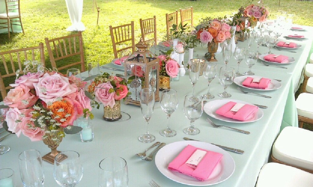pretty pink centerpieces by Passion Roots