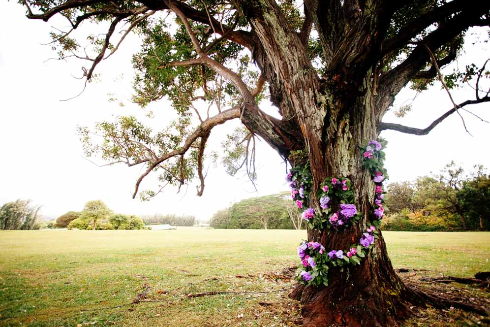 flower adorned tree / floral design by passion roots / l  aura aguon photography & taryn reid photography