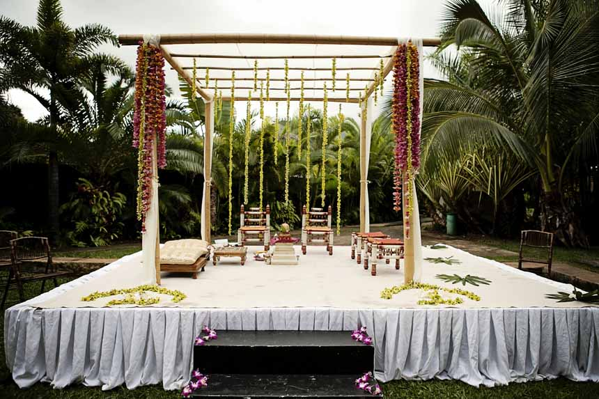 Hawaiian Indian Wedding Mandap by Passion Roots | Creatix Photography | Oahu, Hawaii