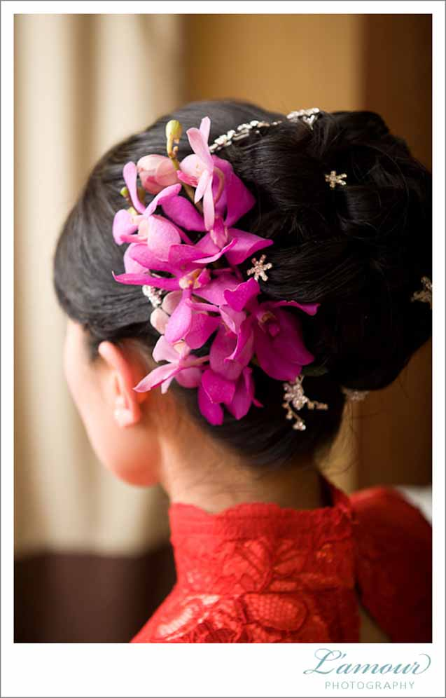 Tropical hairpiece for an updo by Passion Roots / L'amour Photography