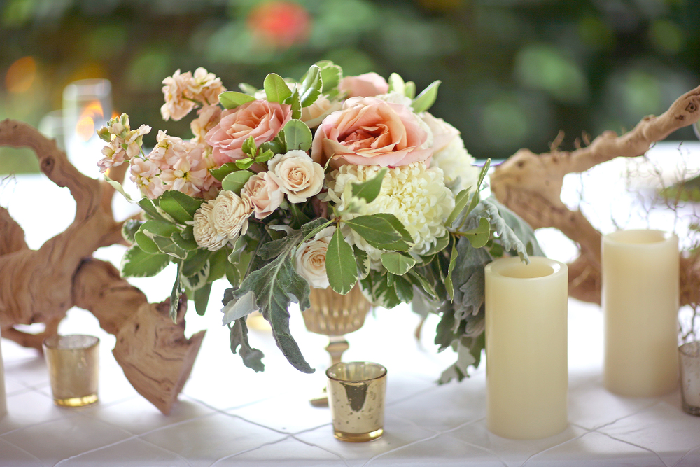 peach and greenery arrangement with grape wood by Passion Roots | Frank Amodo Photography | Oahu, Hawaii