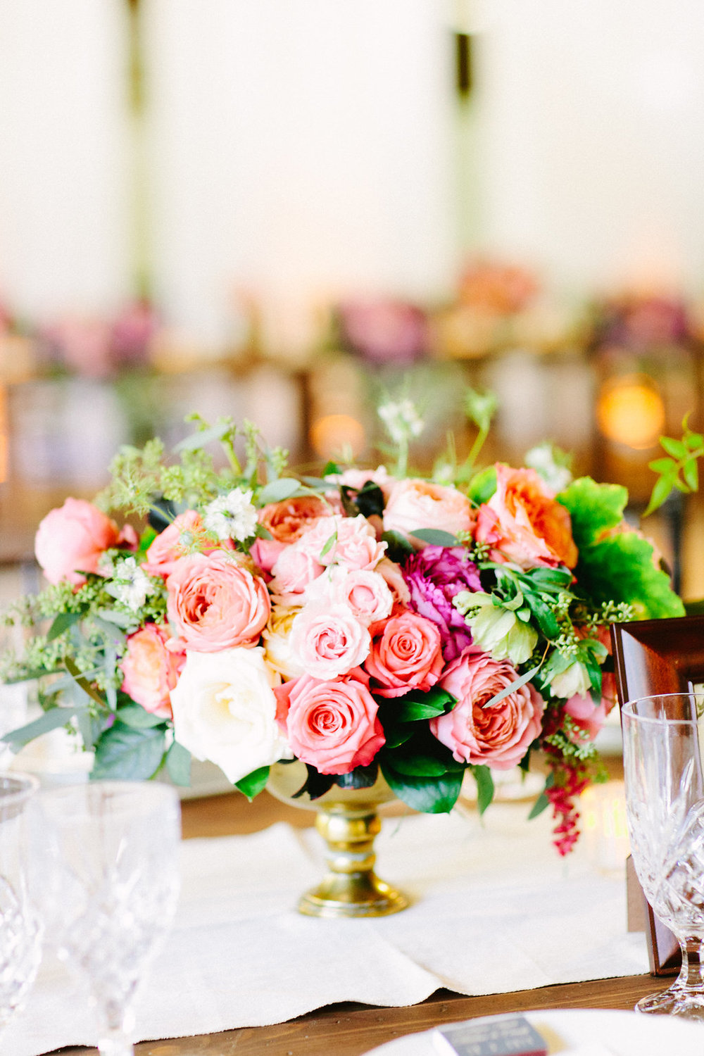 Vintage Elegance Centerpiece by Passion Roots | Lehua Noelle Photography | Oahu, Hawaii