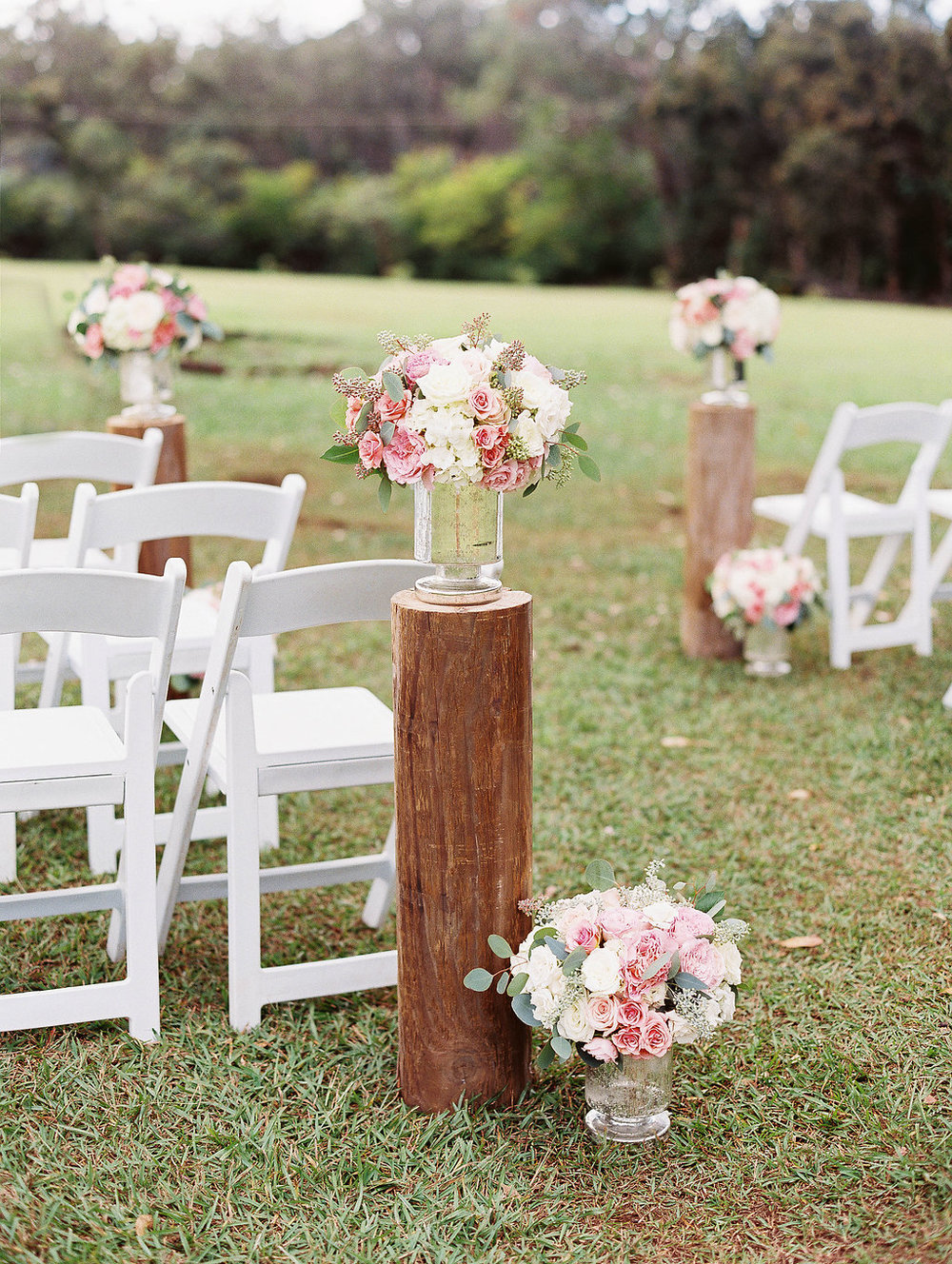 Peach Rustic Ceremony florals by Passion Roots | Ashley Goodwin Photography | Oahu, Hawaii