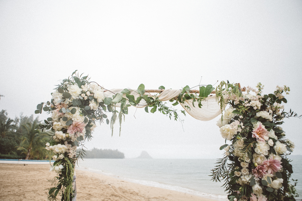 beach ceremony florals by Passion Roots | Oahu, Hawaii