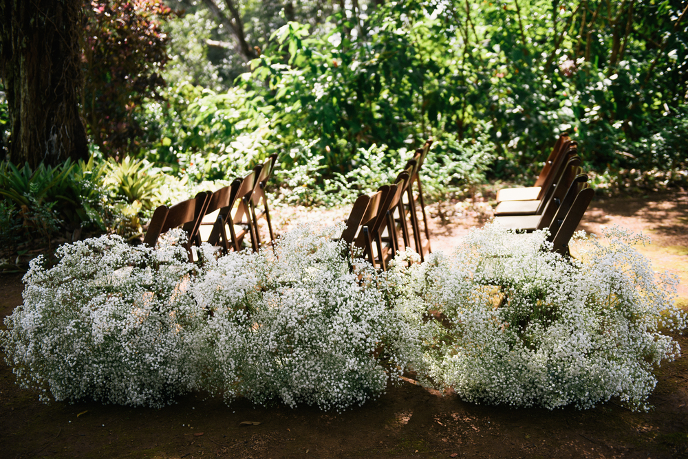 Floral aisle markers by Passion Roots | Christine Pham Photography | Oahu, Hawaii