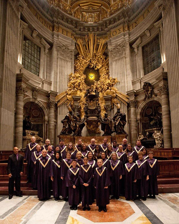 St Peters Basdilica group pic.jpg