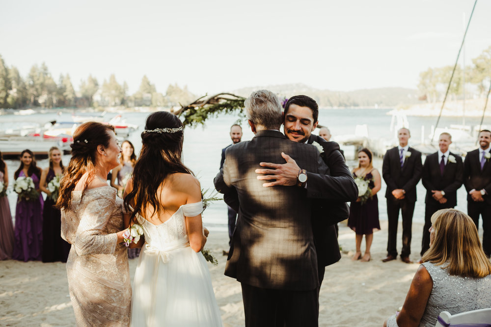 Lake Arrowhead Yacht Club Wedding. Photography by Hannah Costello