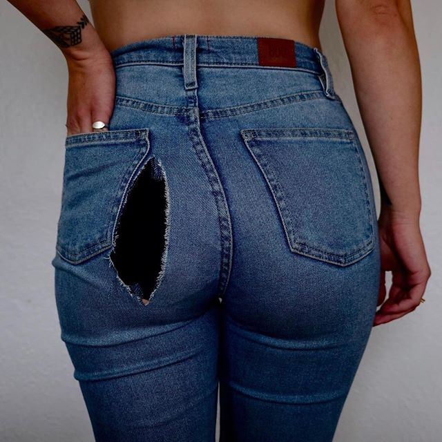 We've all been there. Hopefully you didn't get a butt rip right before a meeting like I did, but yeah... don't toss your favorite piece just because of a 'lil 'ole hole. Learn to stitch it up to create a really beautiful, tenderly mended spot, with @diyanywhere on Feb. 5, 6-8p. . Sign up in the profile link. . . . #smartandbecker #knoxville #knoxrocks #865life #creative #wearethecreativeeconomy #creativeevents #eventplanning #makersgonnamake #curation #art #handmade #craft #diy #tennessee #ooak #diyanywhere #visiblemending #sashiko #embroidery #diyinknoxville