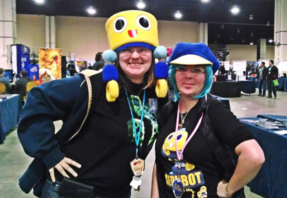 I couldn't resist wearing my servbot hat from my interview with Ryan Jampole at Baltimore Comic Con. I got complimented on the hat a LOT. So there's either a lot of Legends fans out there... or a lot of Dead Rising fans. Either way. And look! I found one of my buddies with a Servbot shirt :D