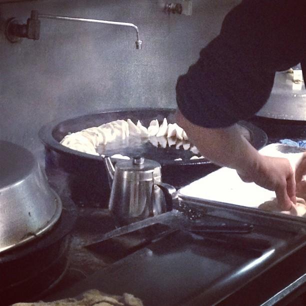 Quick stop at the #dumpling shop. #nyc (at Prosperity Dumpling)