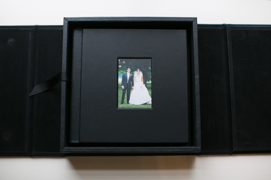 Albums dfp all of maderas albums are flush mount meaning the images are printed directly on photographic paper folded glued back to back and cut into a block solutioingenieria Image collections