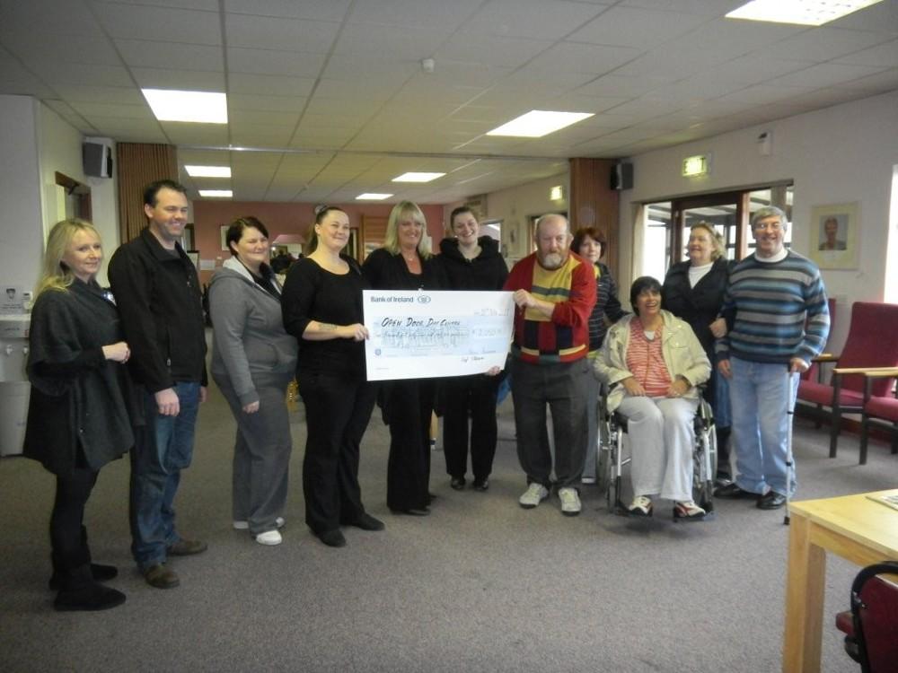 Cheque presentation 10th Nov 2011.jpg