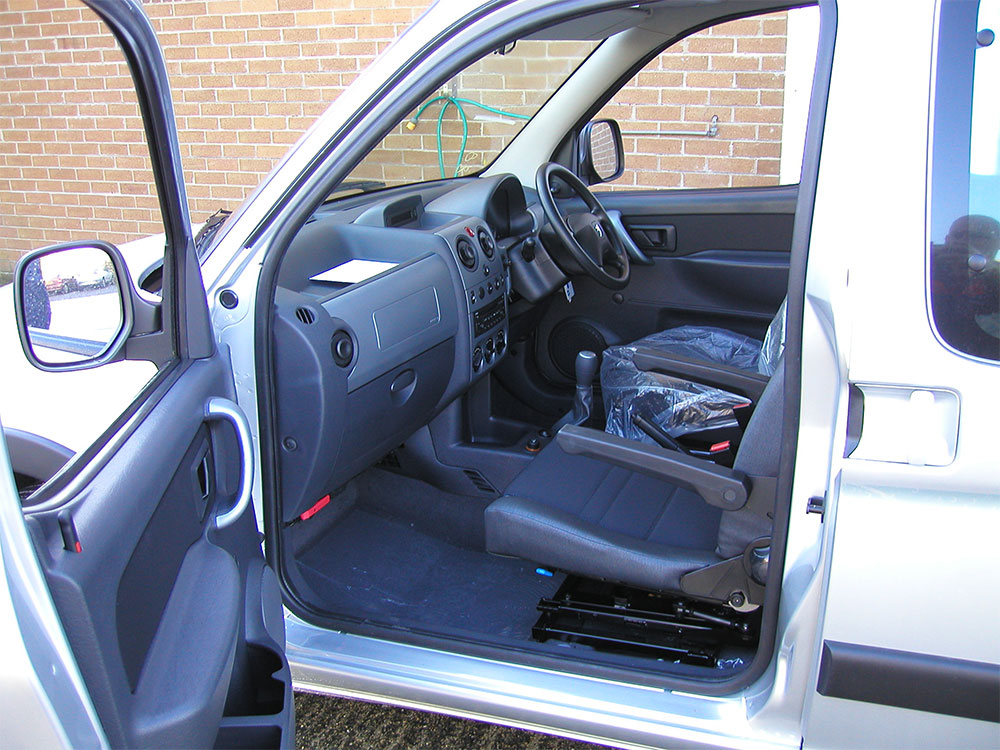 vehicle-adaptation-disabled-motability-Elap-Rotating-Car-Seat5.jpg