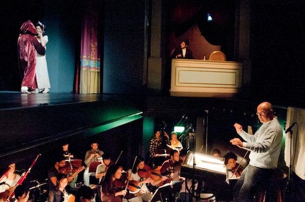 Die Sommer Oper Bamberg mit ihrem künstlerischen Leiter und Lionsmitglied Till F. Weser