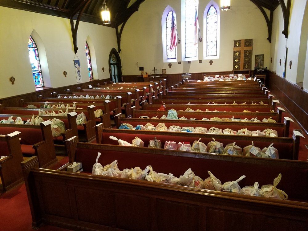 2018-09-18 Pews full of backpback supplies - Logansport.jpg