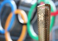 london-2012-offers-first-look-at-olympic-torch-design-75685.jpg