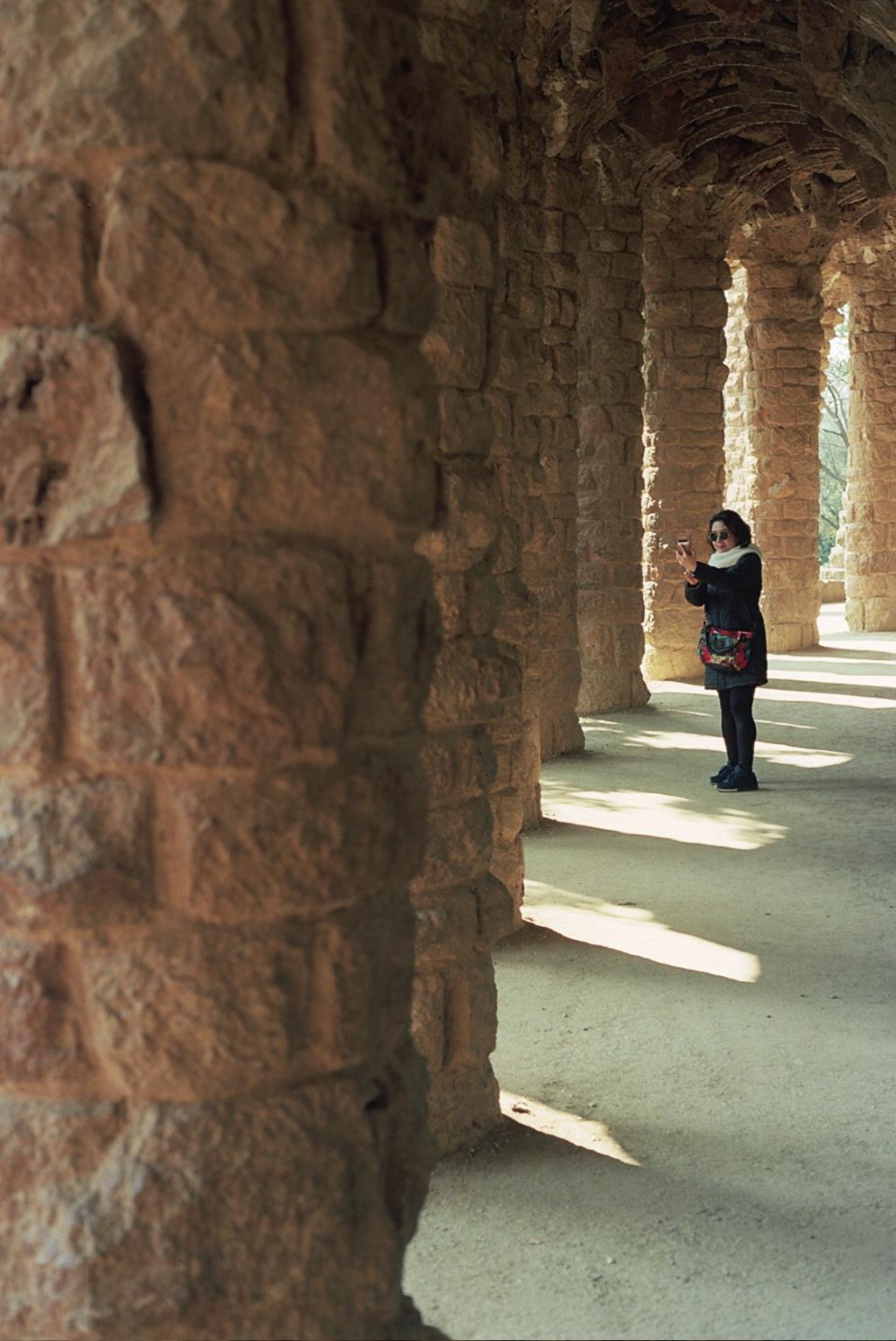 Selfietouristland - Barcelona Canon-A1-Program nataliehillphotography.com