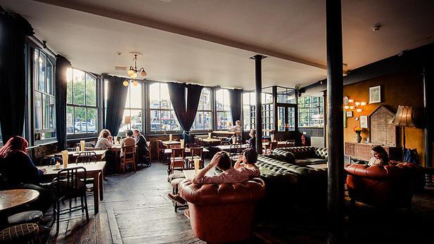 Honest London Sunday pub sessions Liv Fleischhacker