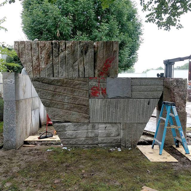 Wall Installation #workingintherain @quarrastone