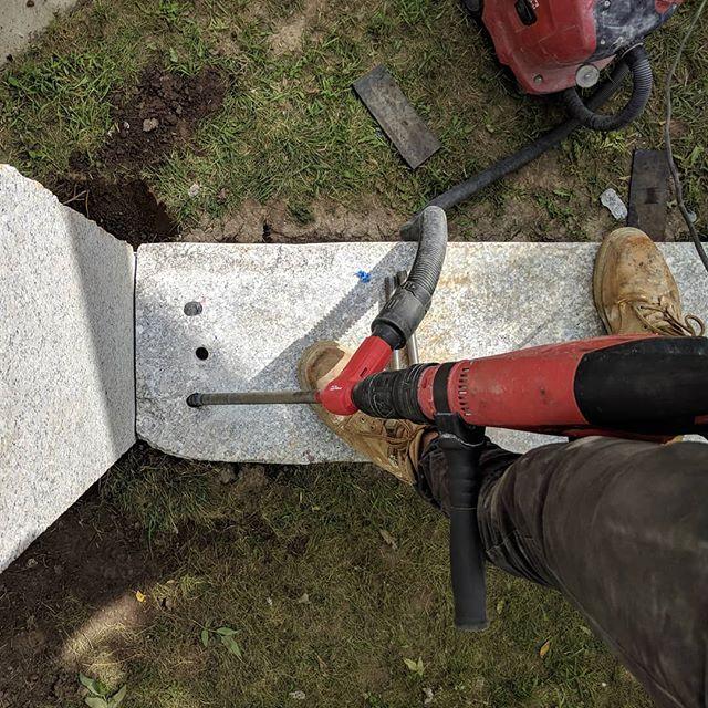 Toe/Skew-Pining Stone @quarrastone